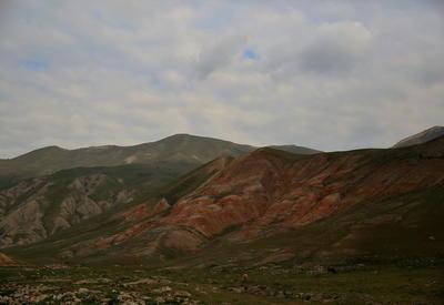 "Разноцветные горы Хызы <span class=""color_red""> - ФОТО </span>"