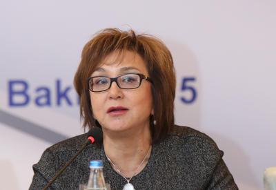 Малейка Аббасзаде о фактах уклонения от обязательного образования