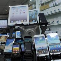 """Hansı mobil telefonların qiyməti düşdü? <span class=""""color_red"""">- FOTOLAR</span>"""
