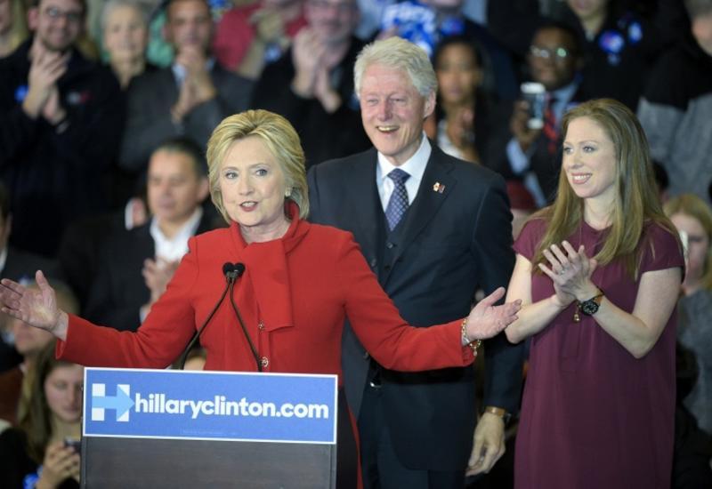 СМИ: Клинтоны заработали $153 млн за счет платных выступлений
