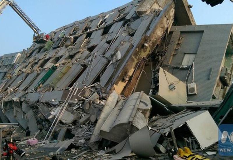 """После обрушения 17-этажного дома в Тайнане спасены более 160 человек <span class=""""color_red"""">- ФОТО</span>"""