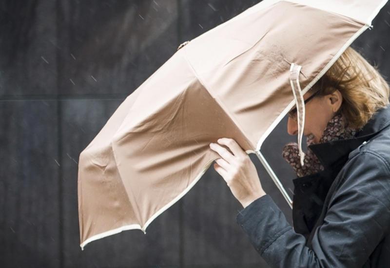 Во Франции объявлена тревога из-за приближающегося циклона