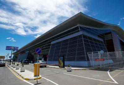 Тбилисский аэропорт частично отменит дневные рейсы