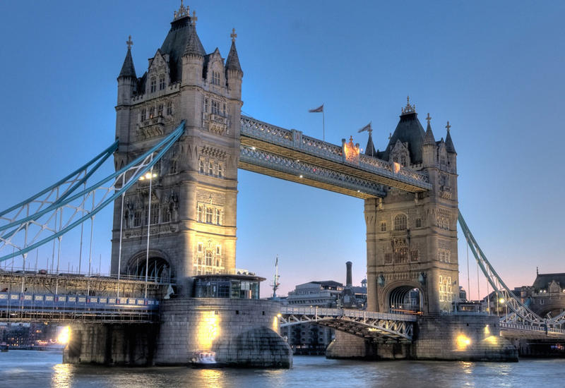 На лондонском мосту взорвали автобус во время съемок фильма с Джеки Чаном