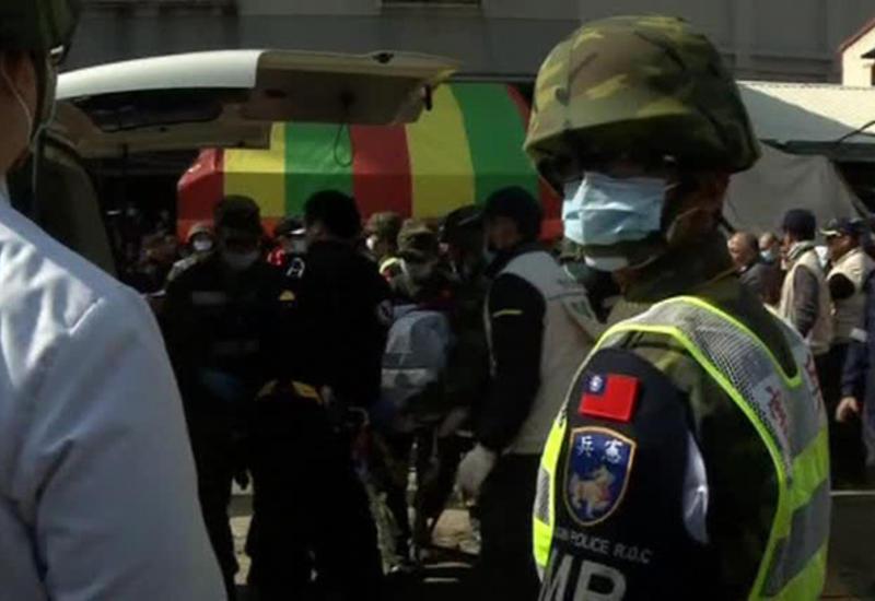 На Тайване из-под завалов спасли 6-месячную девочку