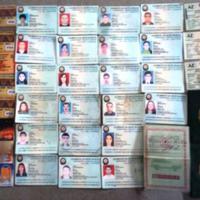 Среди бытовых отходов в Баку найдено около 50 документов