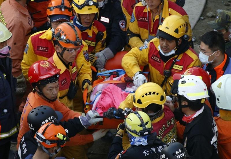 Растет число жертв мощного землетрясения на Тайване