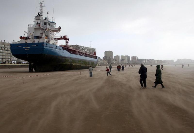 """Гигантские корабли, севшие на мель <span class=""""color_red"""">- ФОТО</span>"""