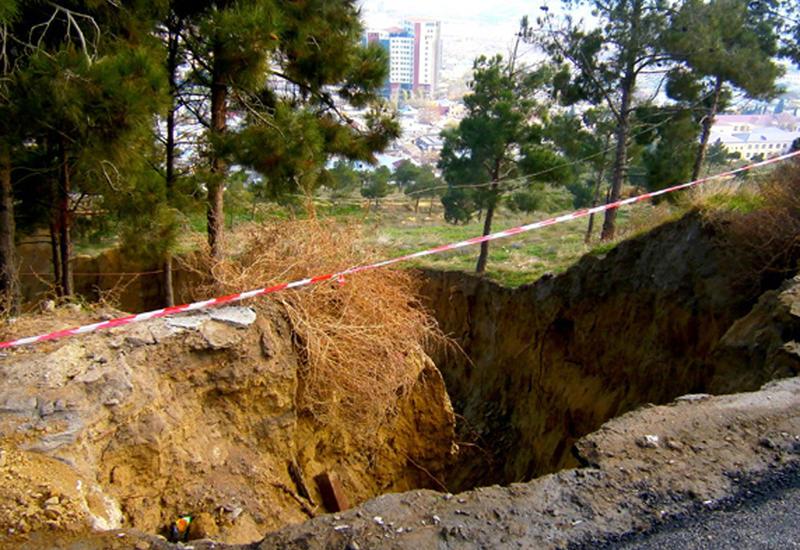 В Баку активизировались оползневые зоны