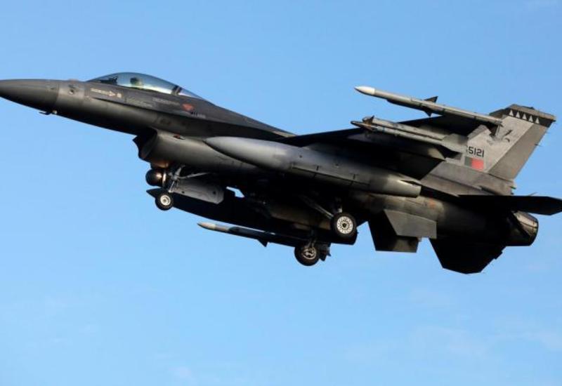 """Нидерланды готовы начать авиаудары против """"ИГ"""" в Сирии"""