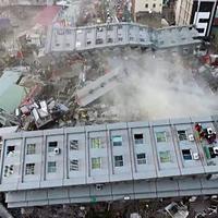 Число жертв землетрясения на Тайване достигло 82 человек