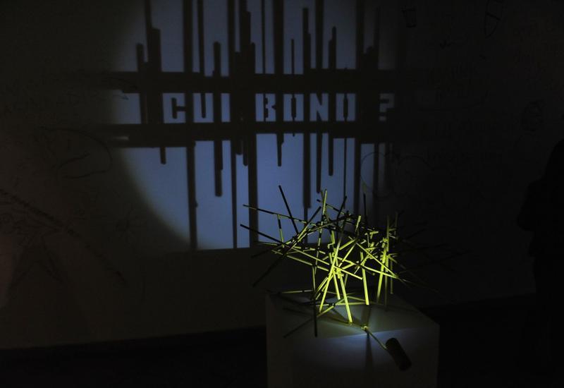 """В галерее YAY состоялось открытие персональной выставки Рашада Алекперова Something From Nothing <span class=""""color_red""""> - ФОТО</span>"""