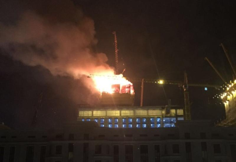 "В Астане загорелся строящийся небоскреб <span class=""color_red""> - ФОТО - ВИДЕО</span>"