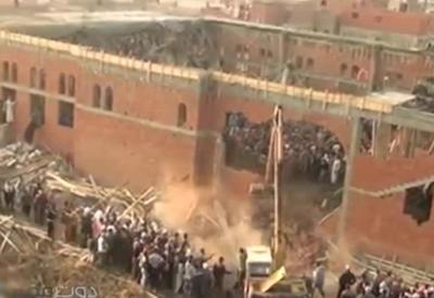 """Обрушение мечети в Египте: десятки раненых <span class=""""color_red"""">- ВИДЕО</span>"""