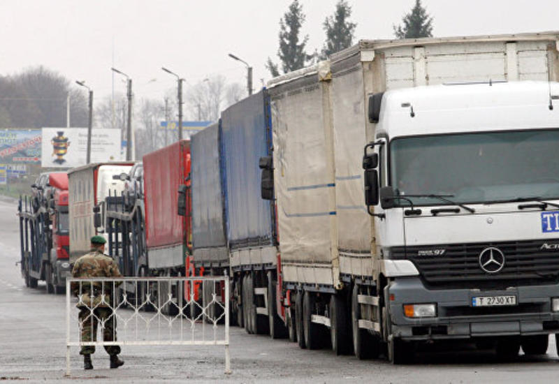 Россия запретила движение украинских большегрузов