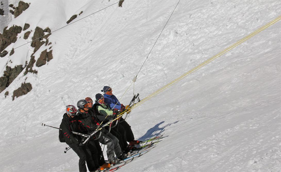Roca JackПортильо, ЧилиRoca Jack не может похвастать повышенным уровнем комфорта. Его создатели делали ставку на скорость подъема - и не прогадали. Прокатиться вверх по крутому склону горы собираются люди со всей страны, не говоря уже о тысячах туристов.