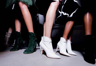"""10 пар обуви, которые должны быть у каждой девушки <span class=""""color_red"""">- ФОТО</span>"""