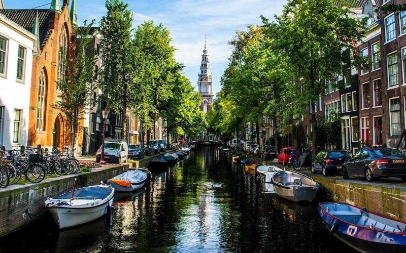 Амстердам, Нидерланды. Как говорит Даника - это одно из самых живописных мест, где они останавливались