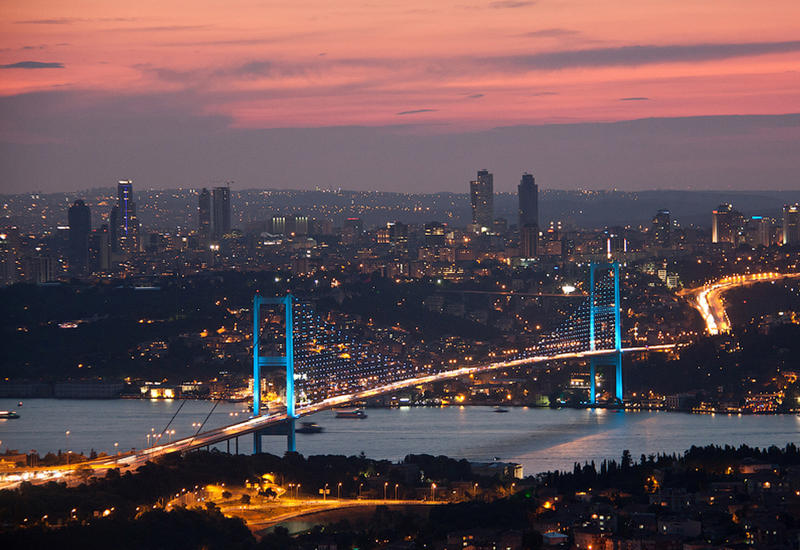 Власти Турции переименовывают знаменитый мост в Стамбуле