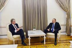 Президент Ильхам Алиев принял бывшего Президента Украины Виктора Ющенко