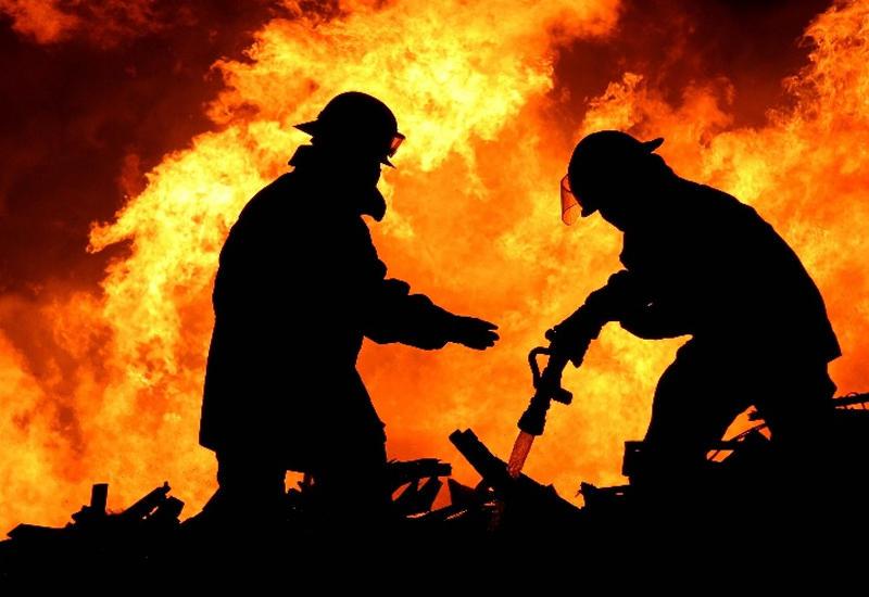 Пожар в Калифорнии уничтожил 17 домов