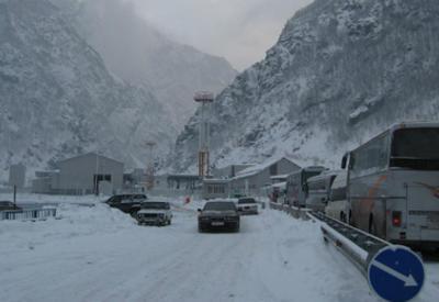 Дорога, соединяющая Россию с Южным Кавказом, снова закрыта