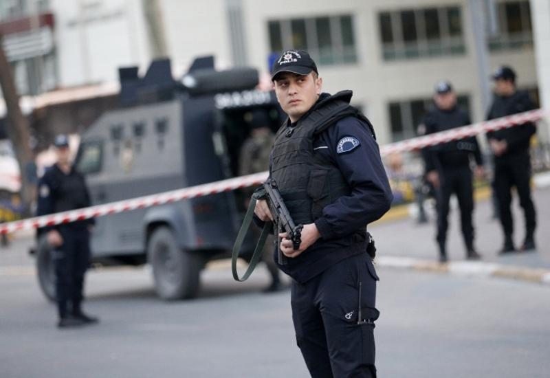 Неизвестные обстреляли здание суда в Стамбуле