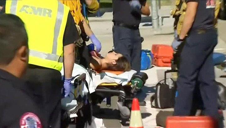 В США перевернулся автобус со школьниками, пострадали 14 человек
