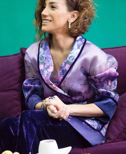 Röya gecə paltarında - FOTO