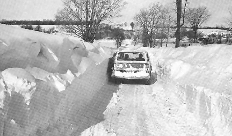 Шторм в Иране1972 годУжасный снежный шторм длился целую неделю: сельские районы Ирана были полностью покрыты трехметровым слоем снега. Некоторые деревни оказались буквально погребены под лавинами. Впоследствии, власти насчитали целых 4 000 погибших людей.