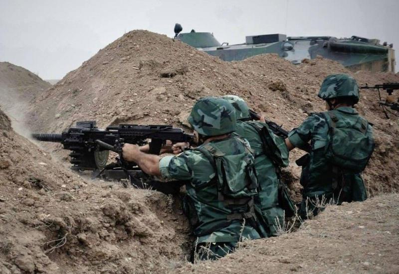 Армяне продолжают обострять ситуацию на линии фронта