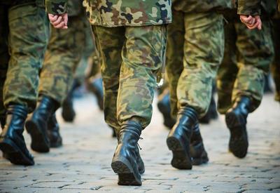 Кричат об атомном оружии, а самим солдат одеть не во что. Будни минобороны Армении