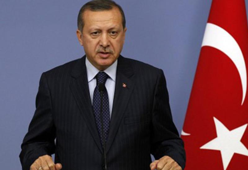 Эрдоган: Провести внеочередной съезд партии решил Давутоглу