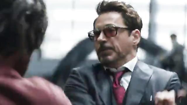 Железный человек иКапитан Америка спорят освободе выбора