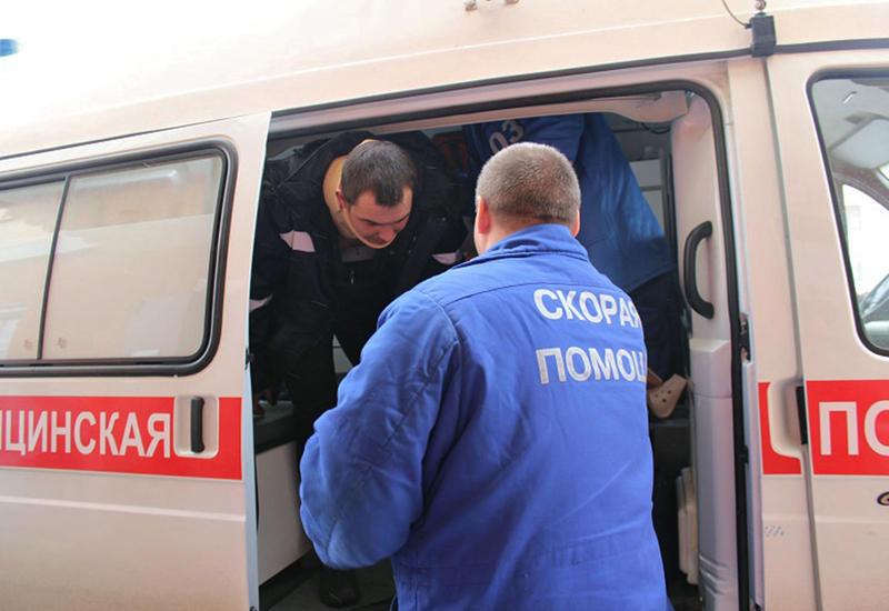 Мать с ребенком выпала с 8-го этажа в Москве