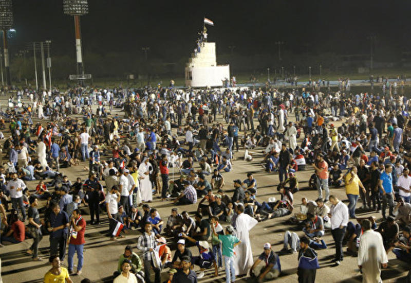 Протестующие начали покидать правительственную зону в Багдаде