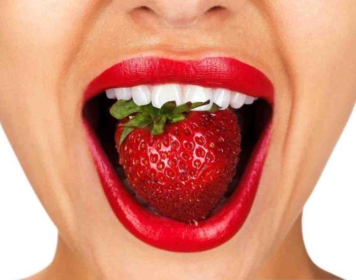запах изо рта периодами