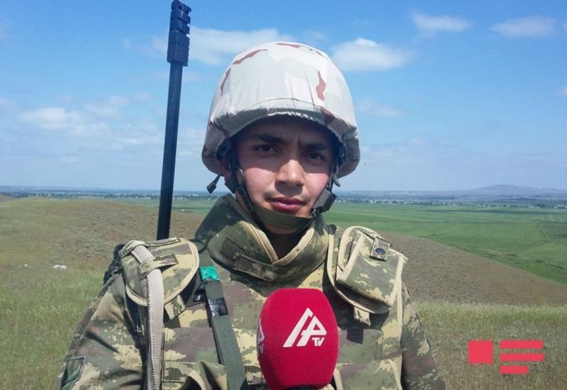 "Азербайджанский офицер: Нам удалось перевести нашу военную технику в тыл врага <span class=""color_red"">- ФОТО</span>"