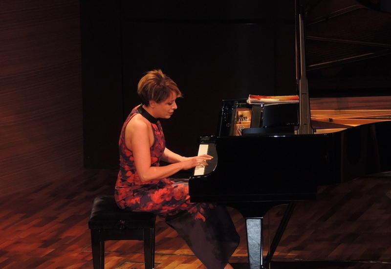 """Известные турецкие музыканты выступили с великолепным концертом на сцене Международного Центра Мугама <span class=""""color_red"""">- ФОТО</span>"""