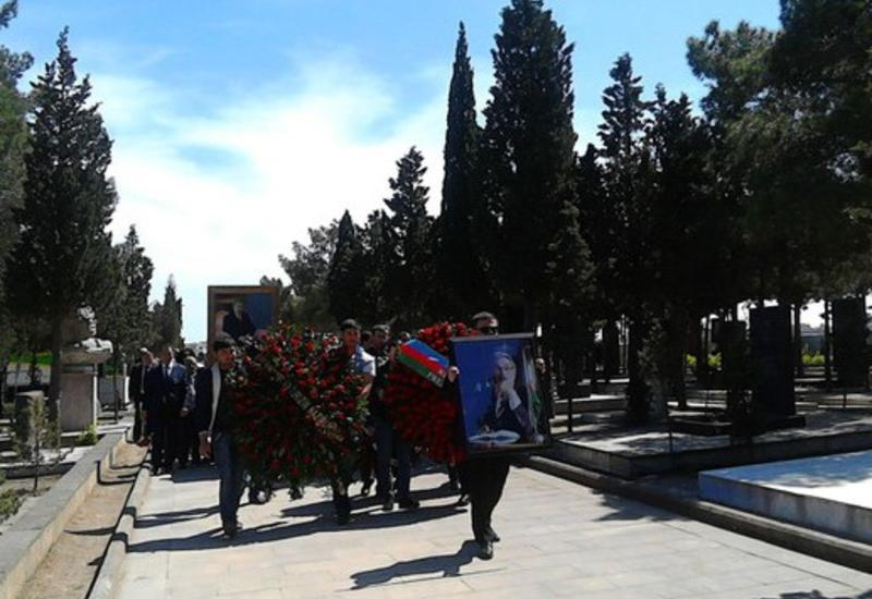 В Баку простились с Сохрабом Тахиром