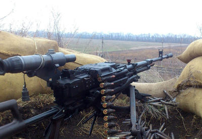 Напряжение на линии фронта: ВС Армении ведут обстрел из пулеметов
