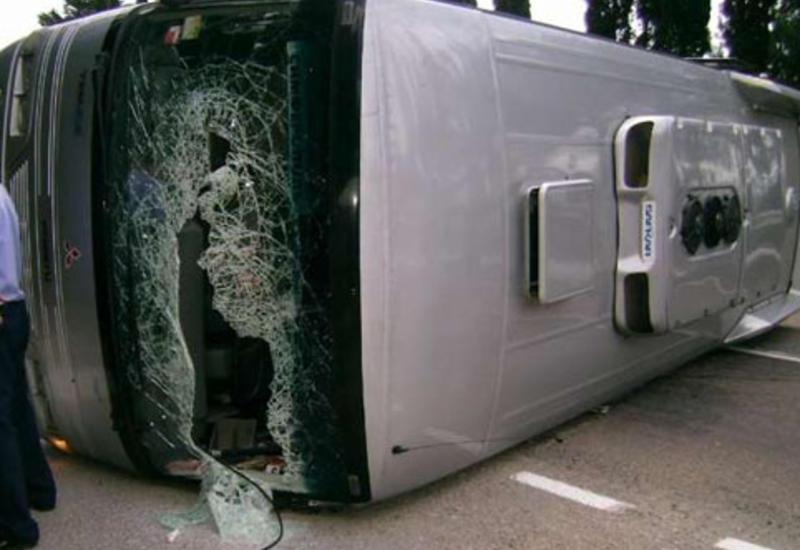 В Турции перевернулся автобус со студентами, есть погибший