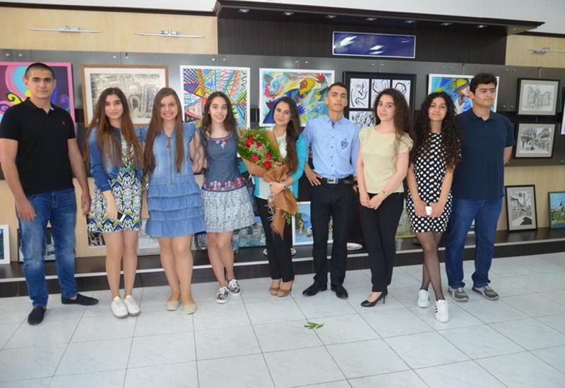 """В Баку открылась семейная художественная выставка <span class=""""color_red"""">- ФОТО</span>"""