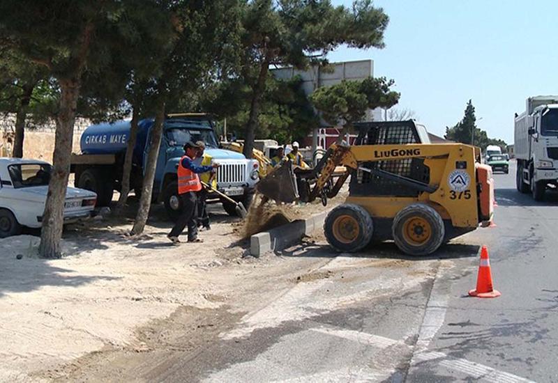 "В Мардакяне ремонтируют улицу и ставят остановки <span class=""color_red"">- ФОТО</span>"