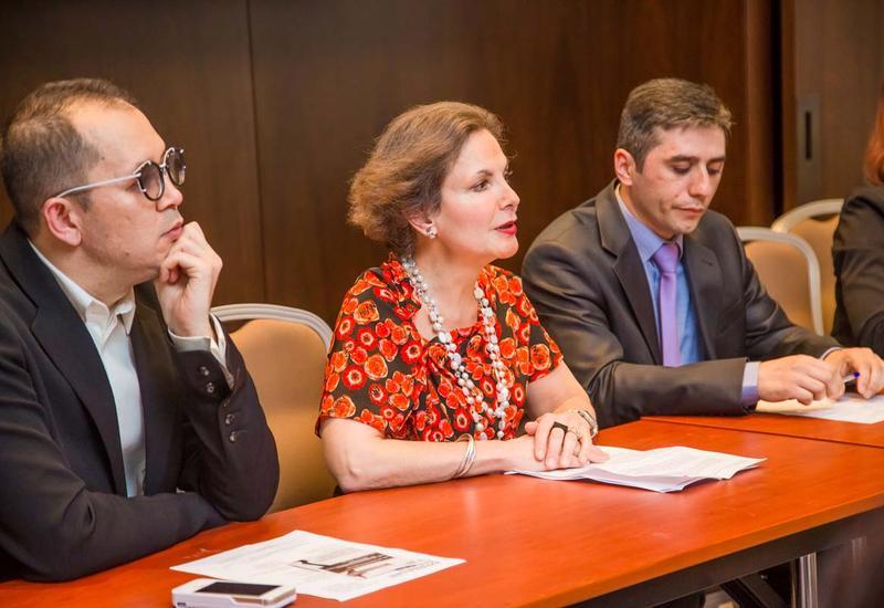 """Посол Франции: Проведение Azerbaijan Fashion Week – знаменательное событие <span class=""""color_red"""">- ФОТО</span>"""