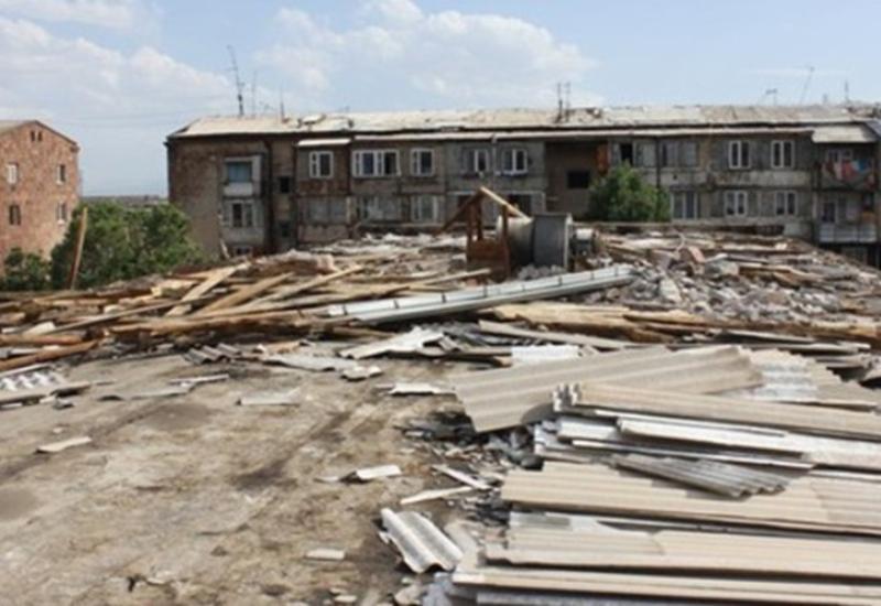 Сильный ветер в Ереване обнажил воровство властей