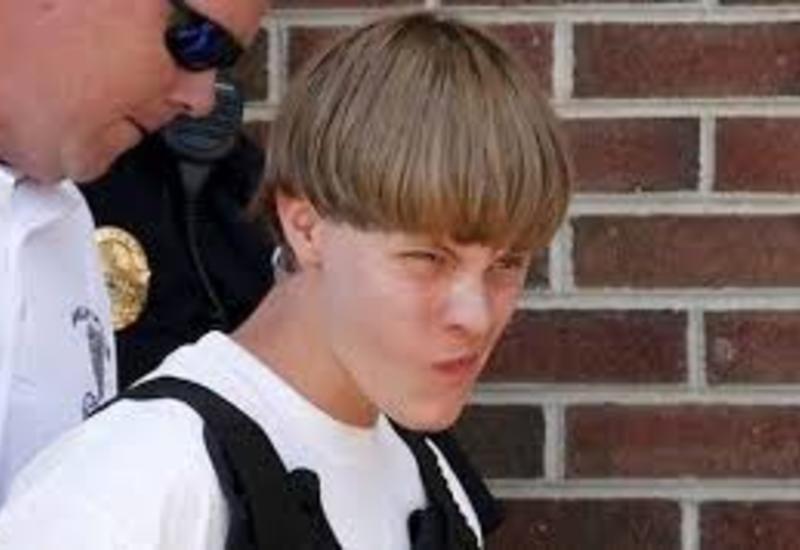 """Минюст США требует убить расстрелявшего прихожан церкви <span class=""""color_red"""">- ВИДЕО</span>"""