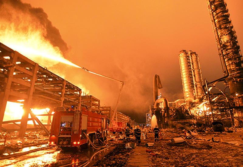 """В Индии взорвался химический завод, есть погибшие <span class=""""color_red"""">- ВИДЕО</span>"""