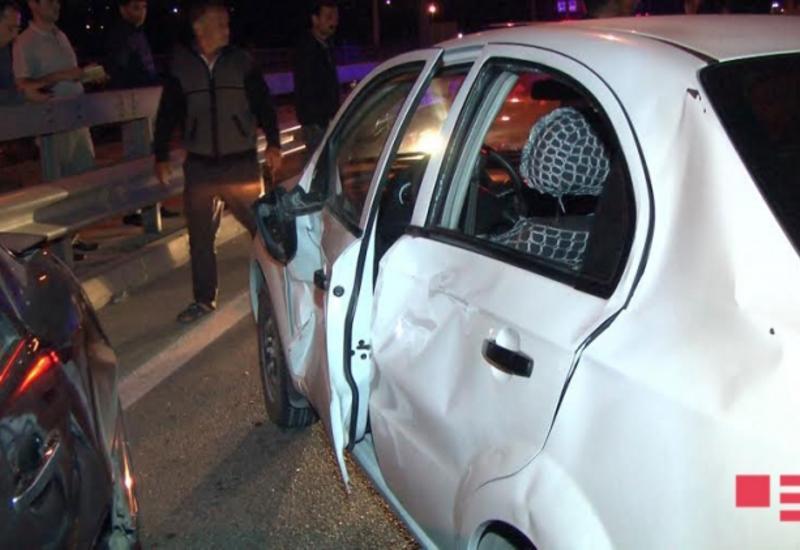 """Масло на дороге в бакинский аэропорт привело к цепной аварии, 5 раненых <span class=""""color_red"""">- ФОТО</span>"""