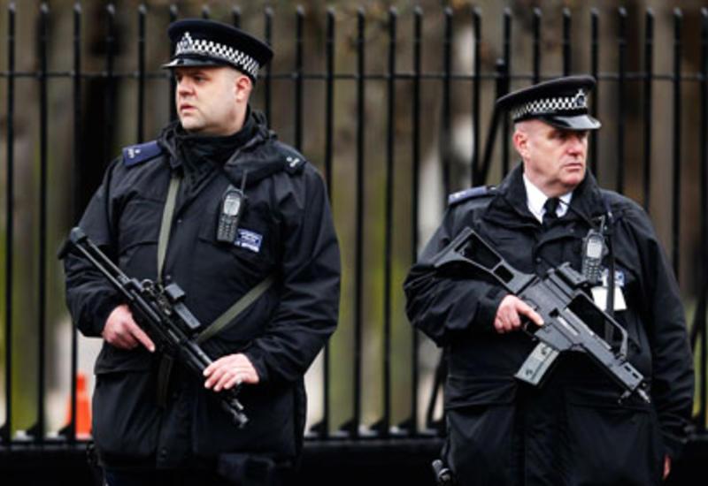 В Британии из-за телефонных угроз эвакуировали десятки школ